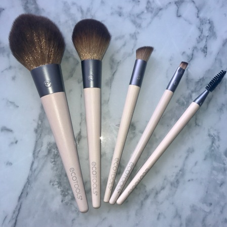 ecotools blending brush. i have actually realised been using my micro blending brush for eyeshadow! ecotools r